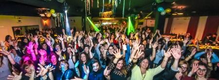 Festa della Donna con lo  spettacolo del bar italia
